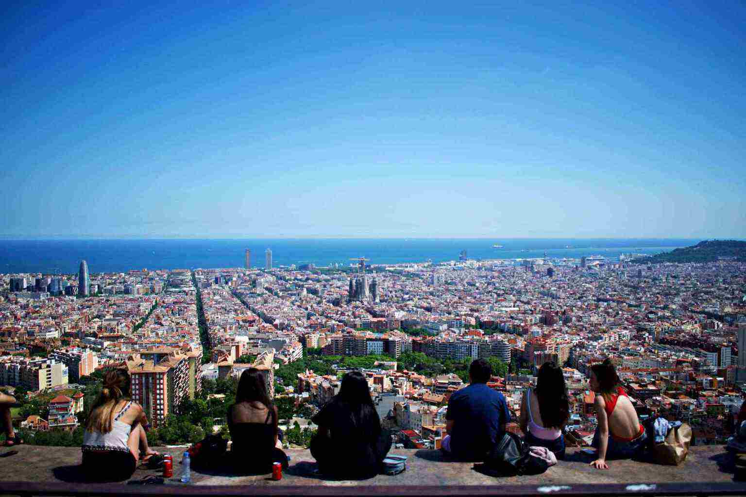 The 10 Famous Places in Barcelona to Visits In 2019